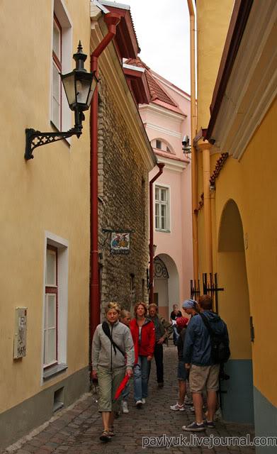 Таллинн старый город узкая улица