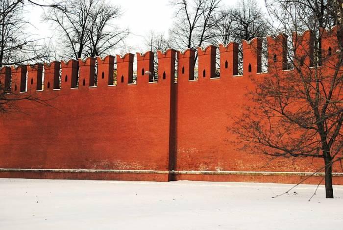 московский Кремль южная стена уступ нестыковка