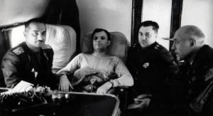 Вслед за Гагариным летели врачи