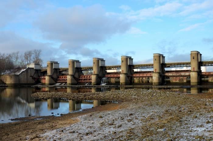 Москва река Перервинский гидроузел плотина