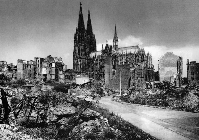 Кельнский собор 1945 г